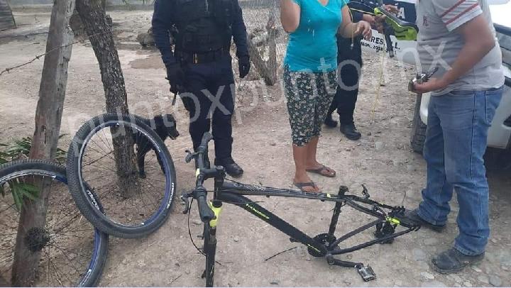 RECUPERA LA POLICIA DE LINARES BOLSO DE MUJER Y BICICLETA ROBADAS EN EL EJIDO LA ESCONDIDA.