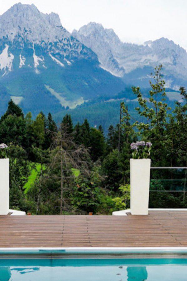 Hotel Poolarea, in the alps