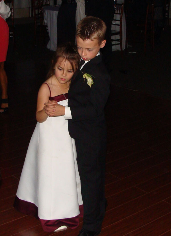 twin-oaks-house-weddings-reception-my-djs-dancing-3