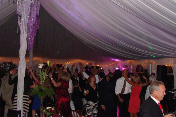 twin-oaks-house-weddings-reception-my-djs-dancing