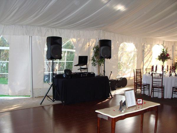 twin-oaks-house-weddings-reception-my-djs-set-up