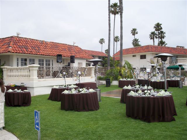 Oceanside-Marina-Suites-wedding-reception-dj-set-up