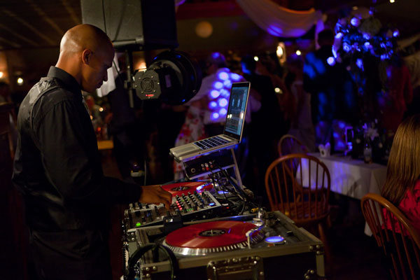 my-djs-San-diego-wedding-dj-touch-blevins