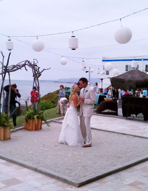 oceanview-villas-reception-dancing