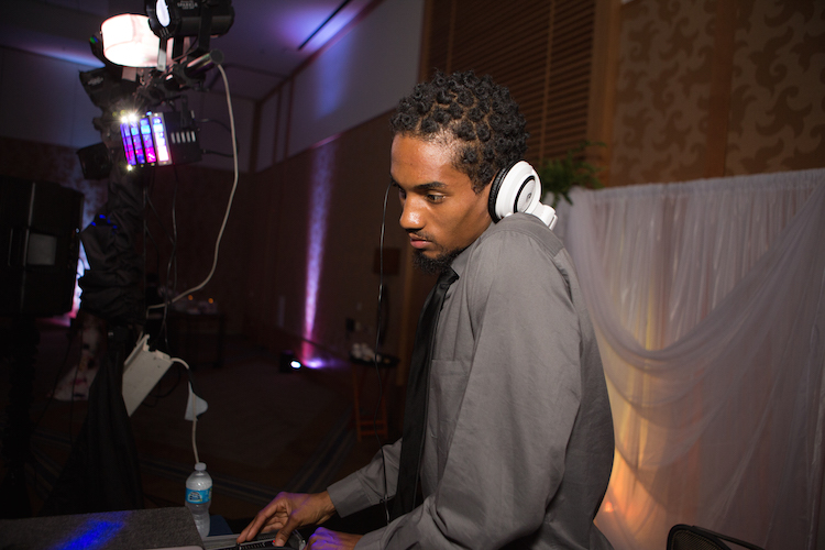 party DJ turntablist