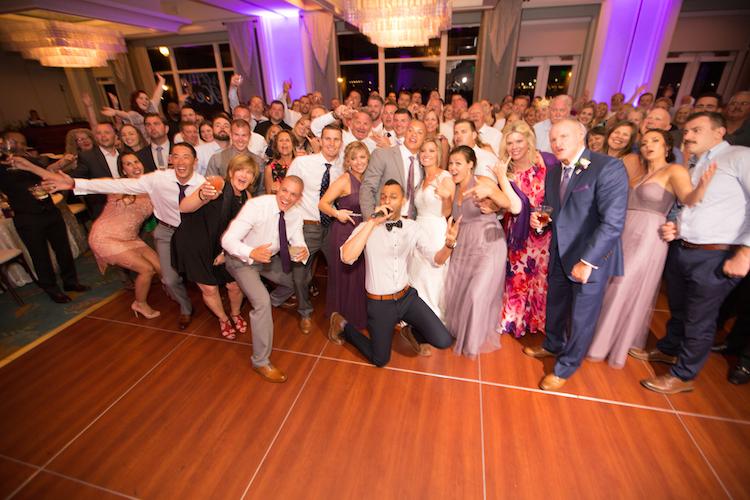 wedding dj crowd
