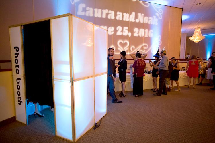wedding photo booth lighting