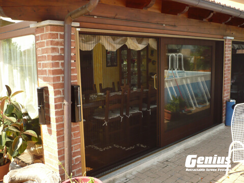 Zigzag-retractable-screen-dining-room-large-opening-single-screen