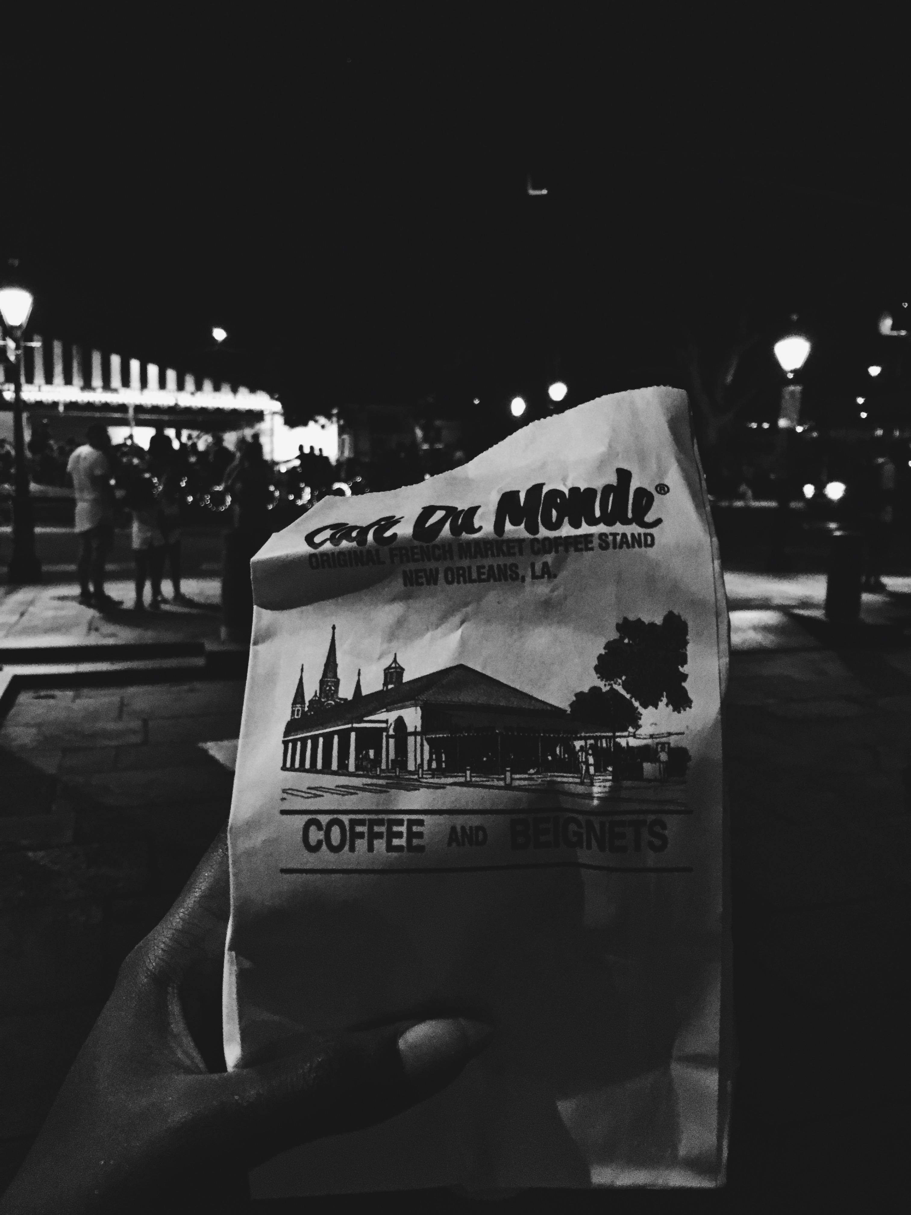 New Orleans-Beignets-cafe du monde