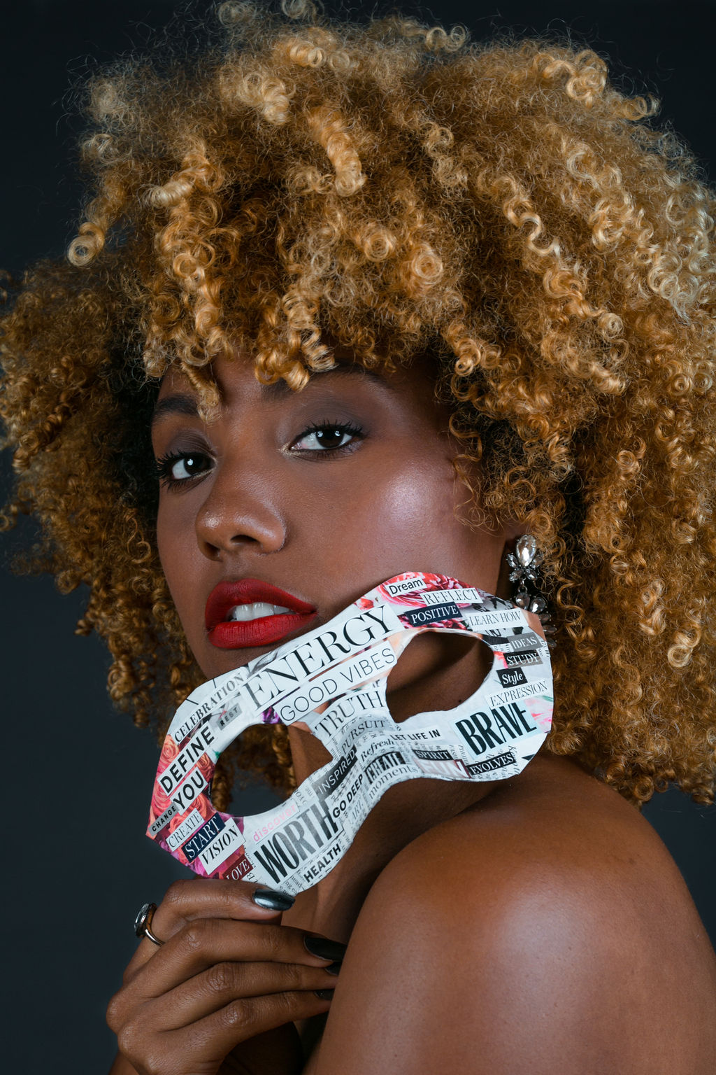masquerade-mask-RSEEXLCM-BirthdayShoot-xmmtt-wearwhoyouare-6550-shoot