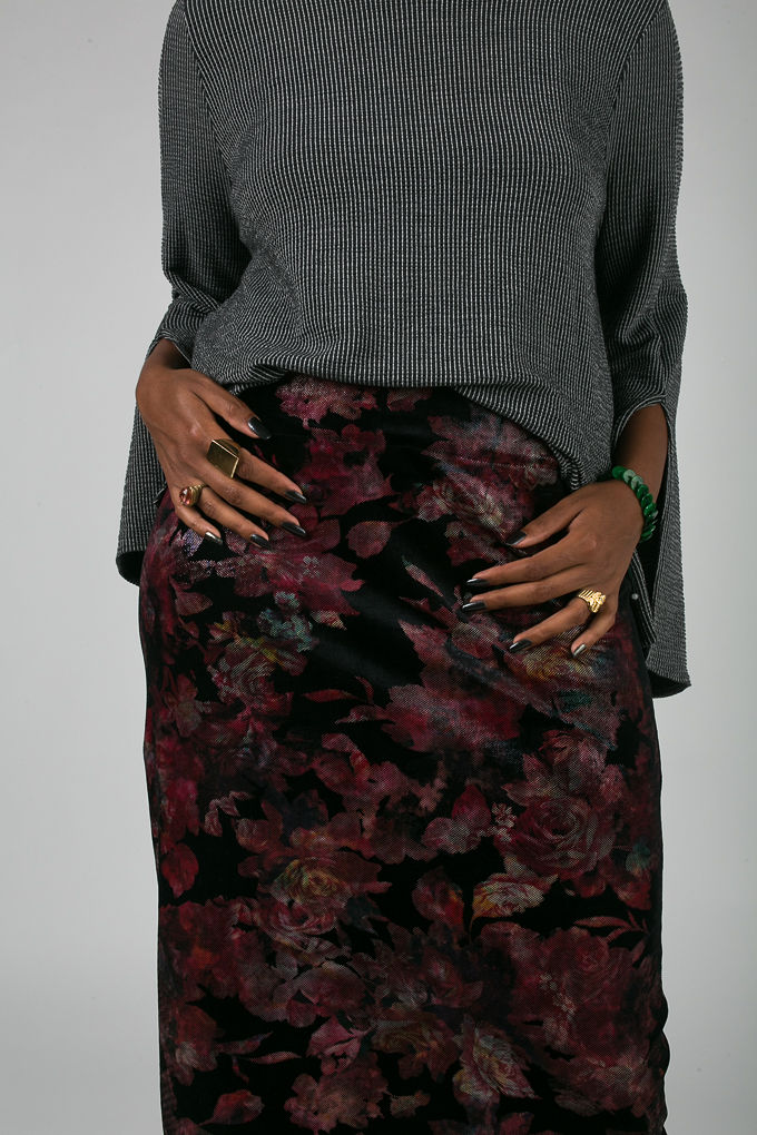 RSEE-LCM-Liveclothesminded-xmmtt-longbeach-7034-what to wear to work-midi skirt-bell sleeves-skirt with sneakers-fitfemme- work outfit ideas
