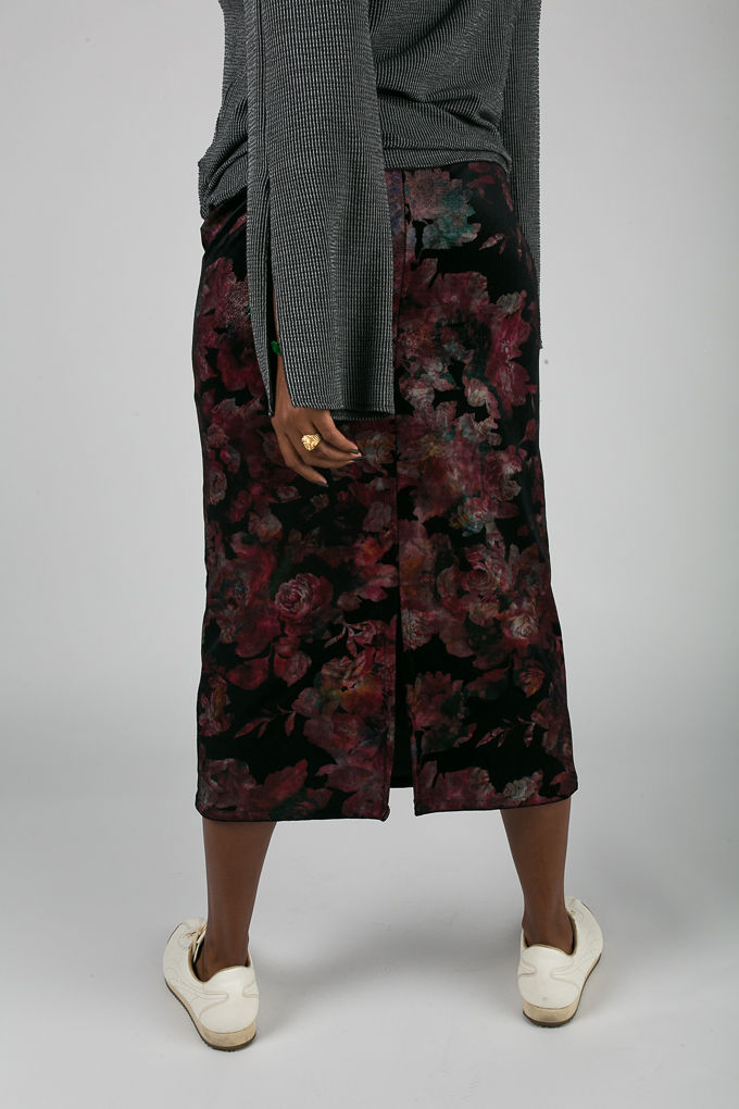 RSEE-LCM-Liveclothesminded-xmmtt-longbeach-7041-what to wear to work-midi skirt-bell sleeves-skirt with sneakers-fitfemme- work outfit ideas