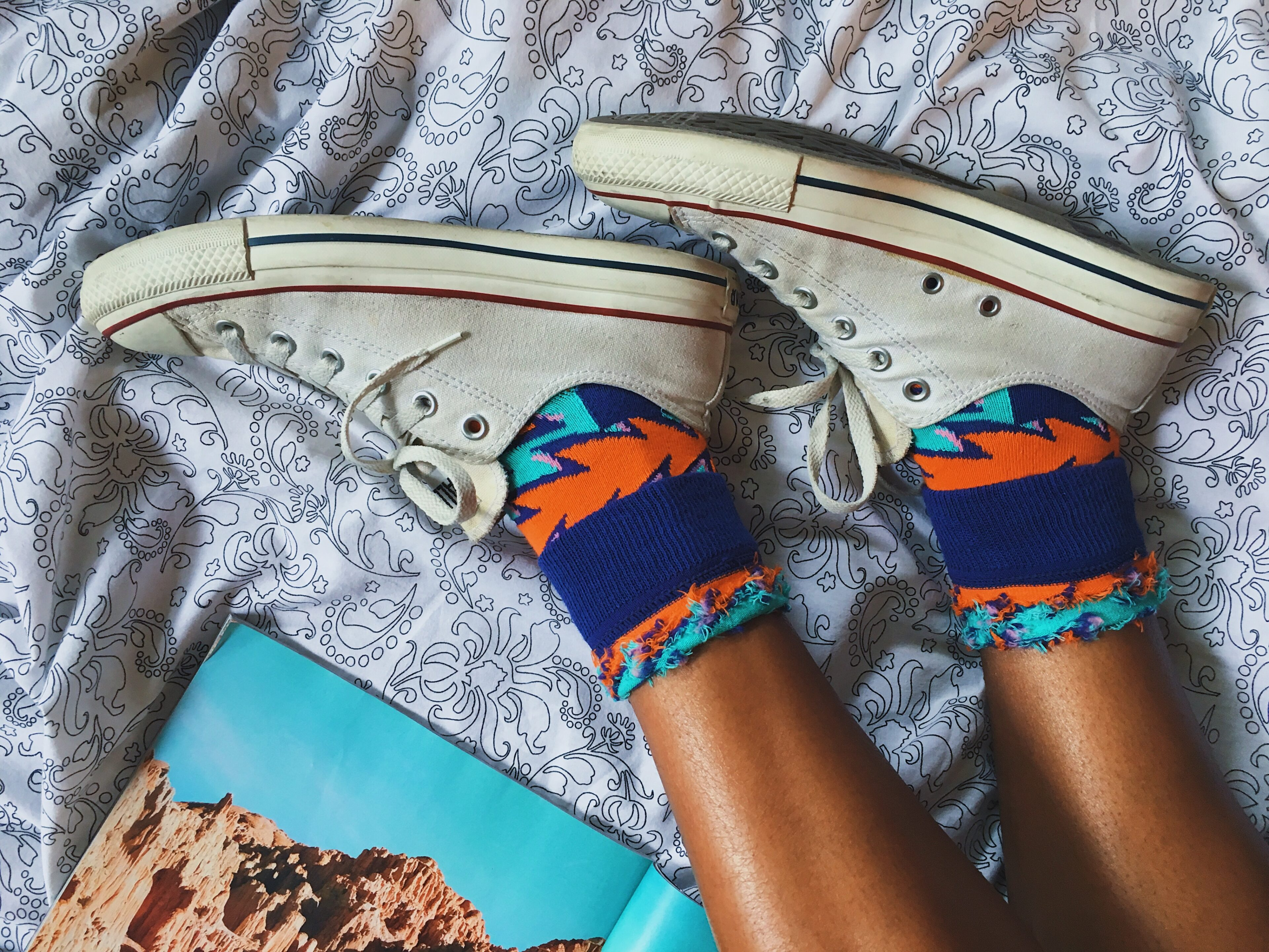 happy socks-chucks-converse-colorful socks-wear who you are-lcm