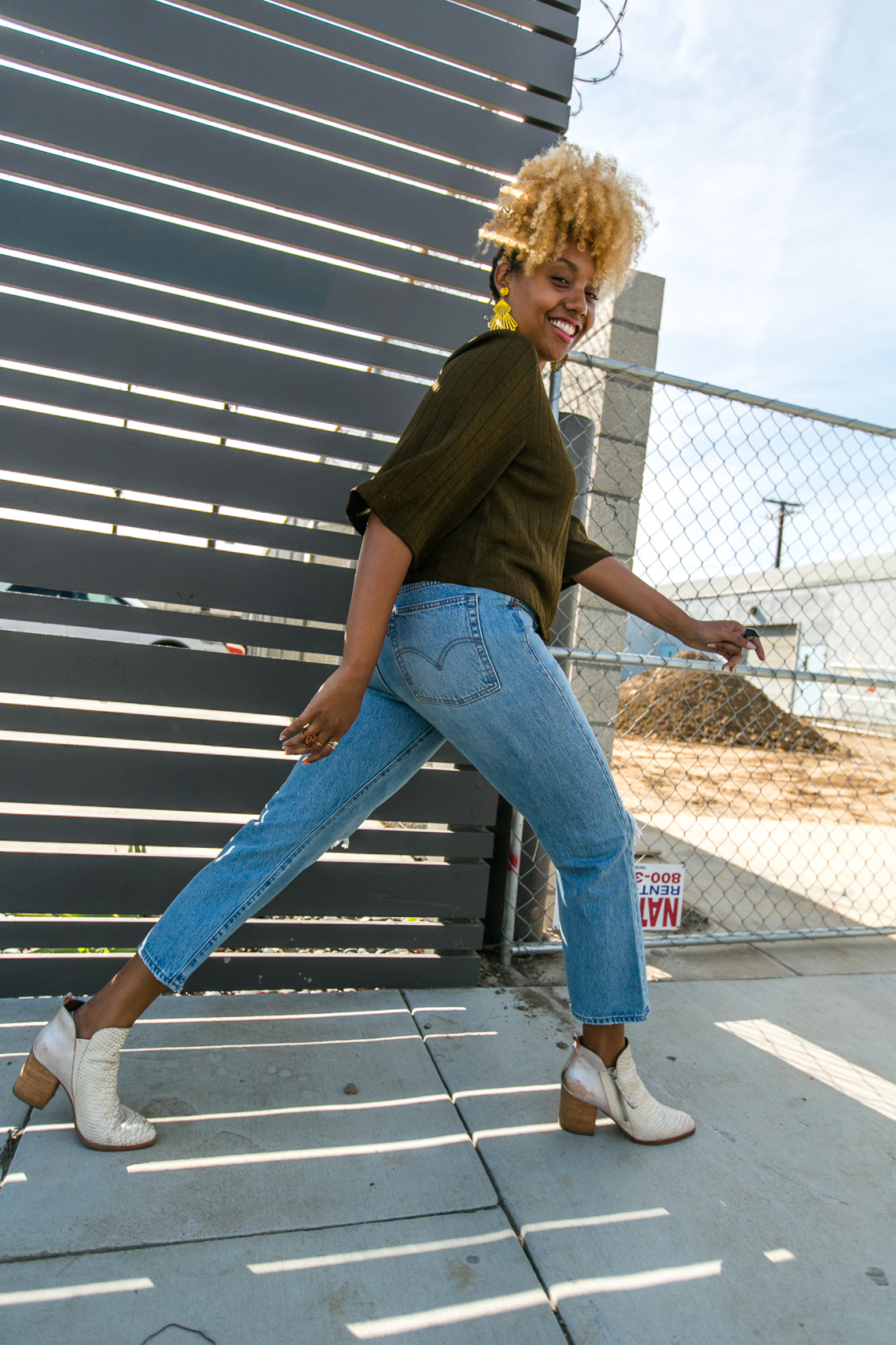 girl walking away-wedgie fit straight jeans-levis