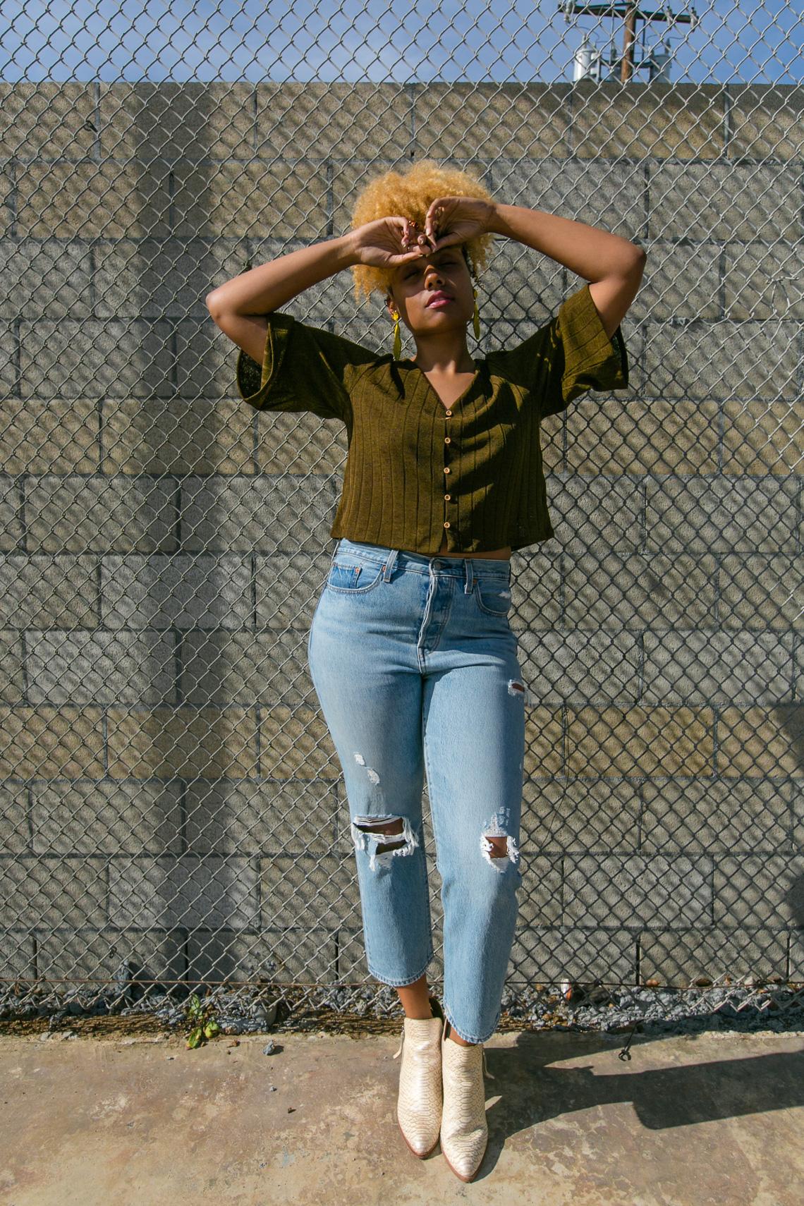 wedgie fit jeans-levis-h&m fine knit cardigan