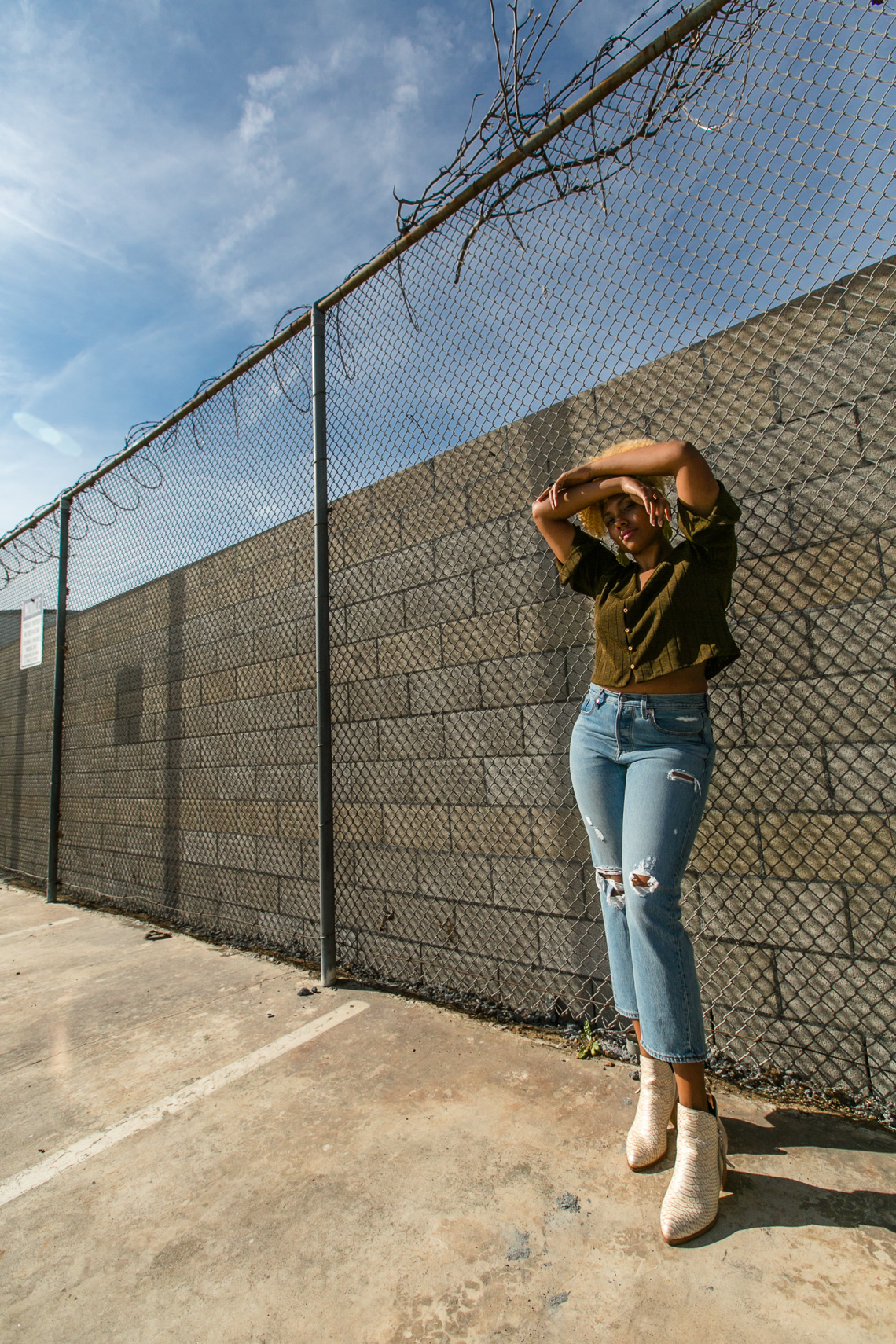 wedgie fit jeans-levis-h&m-fence-model-blogger style