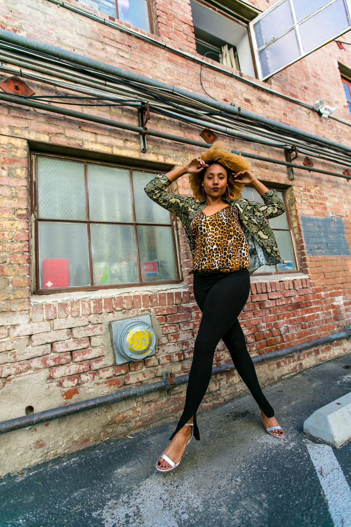 print mixing-model walk-street photography-blogger style-rsee-xmmtt-wear who you are