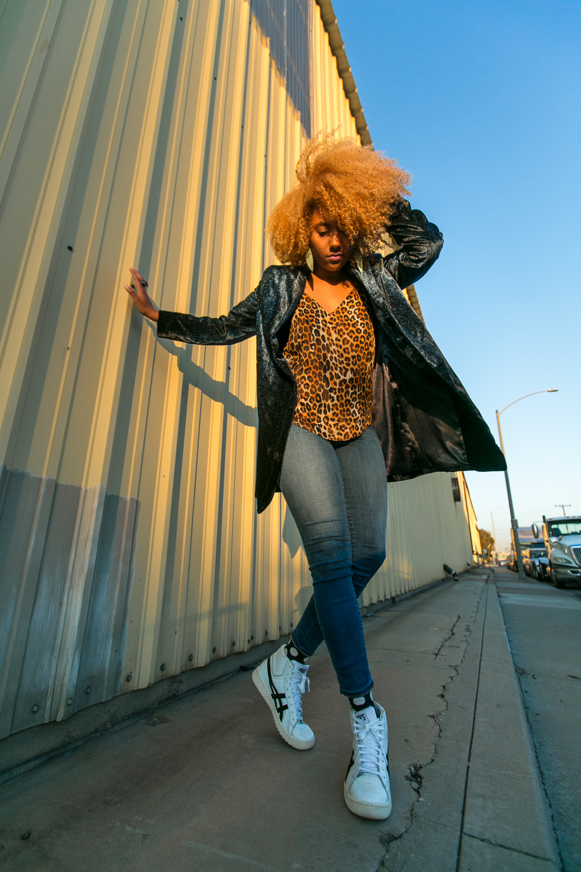 How To Shop For Clothes-asics tiger-leopard print-natural hair blogger-rsee-xmmtt