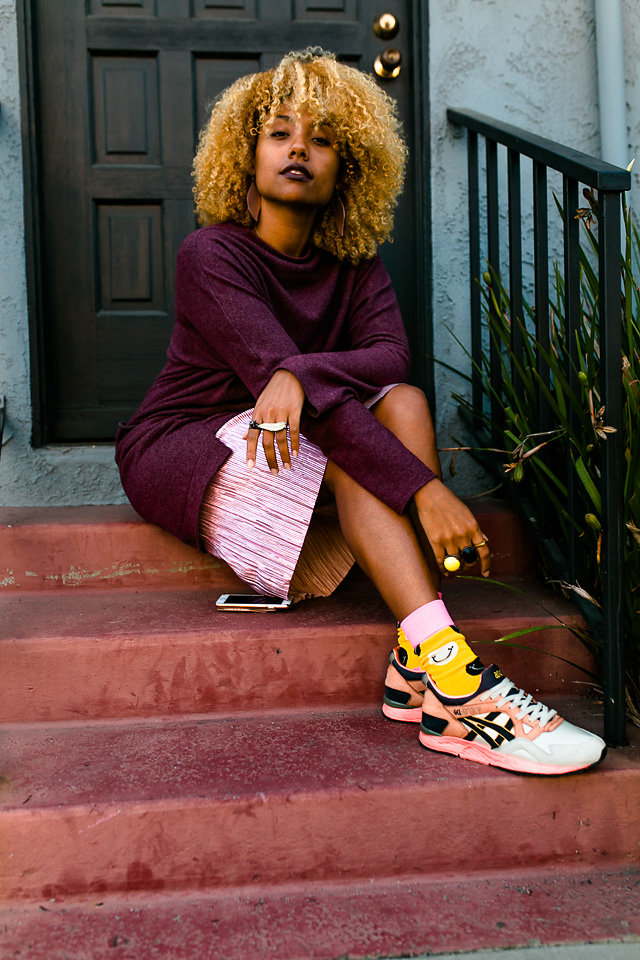 midi dress with sneakers-asics tiger-fit femme