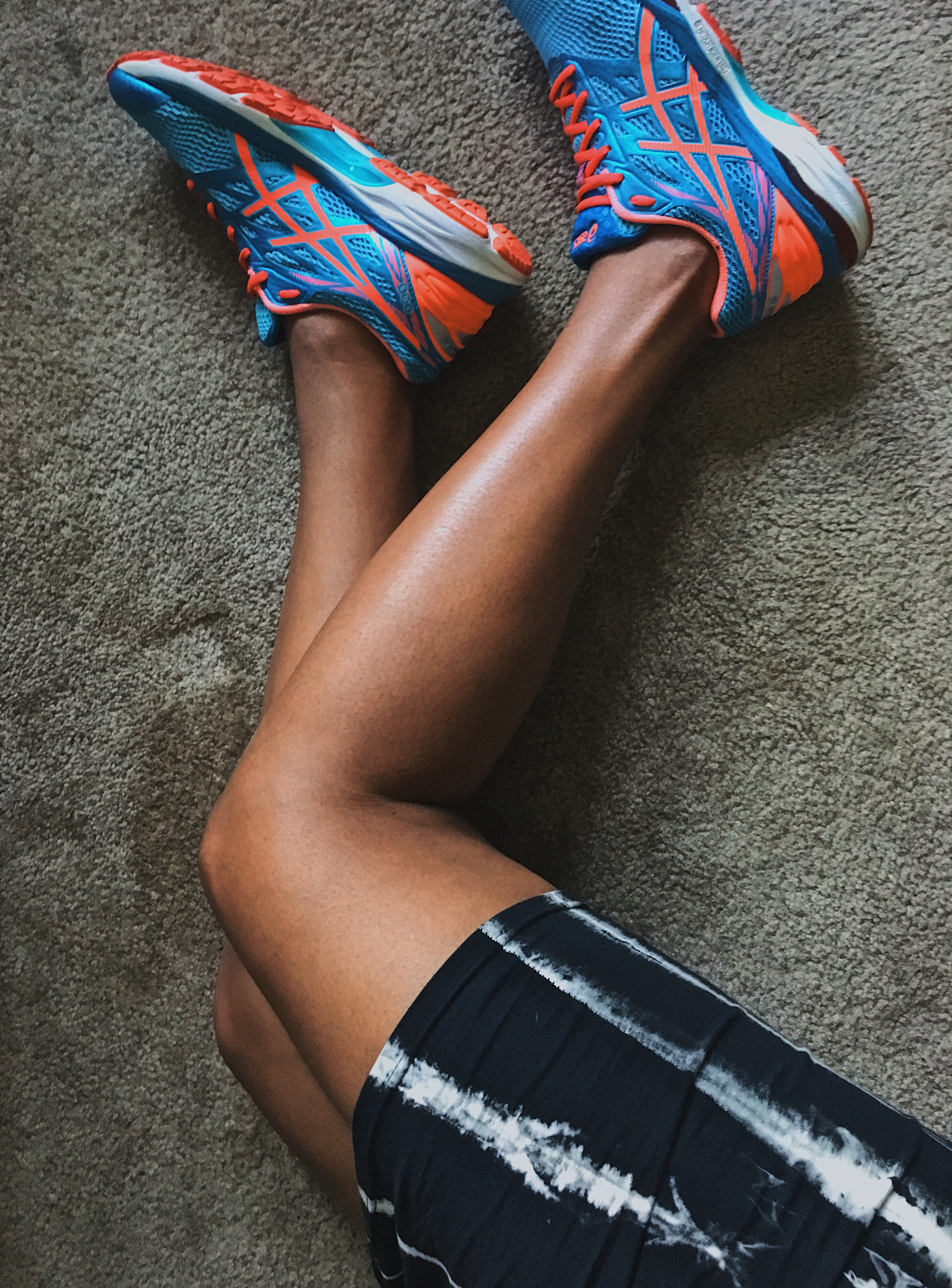 fit femme-sneakers with dresses-asics-cumulus