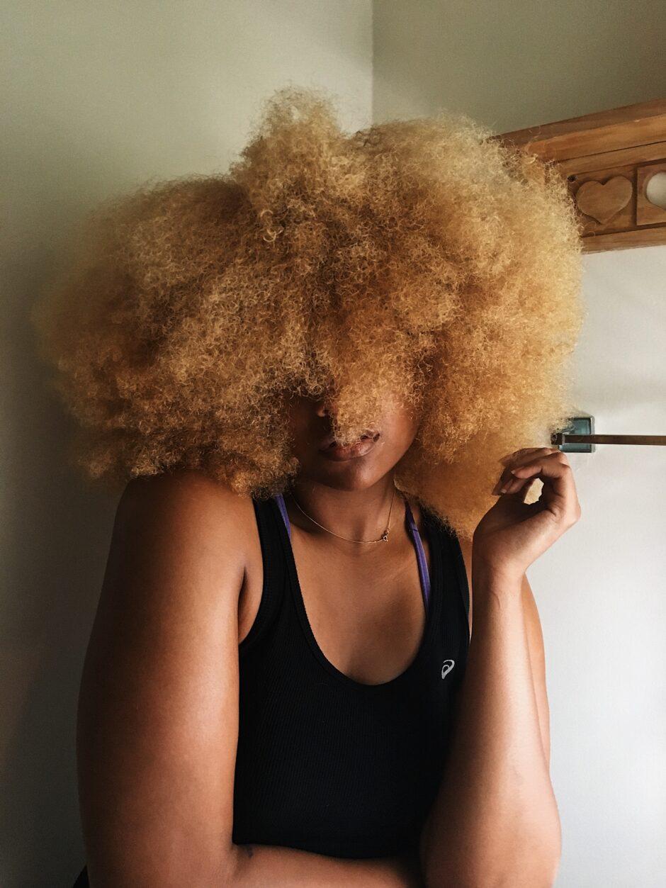 castor oil for hair-blonde afro-natural hair