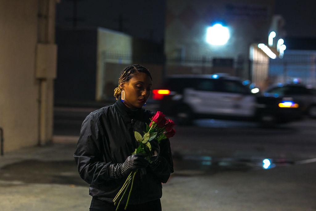 Social media hiatus-roses-night photography shoot-xmmtt-rsee
