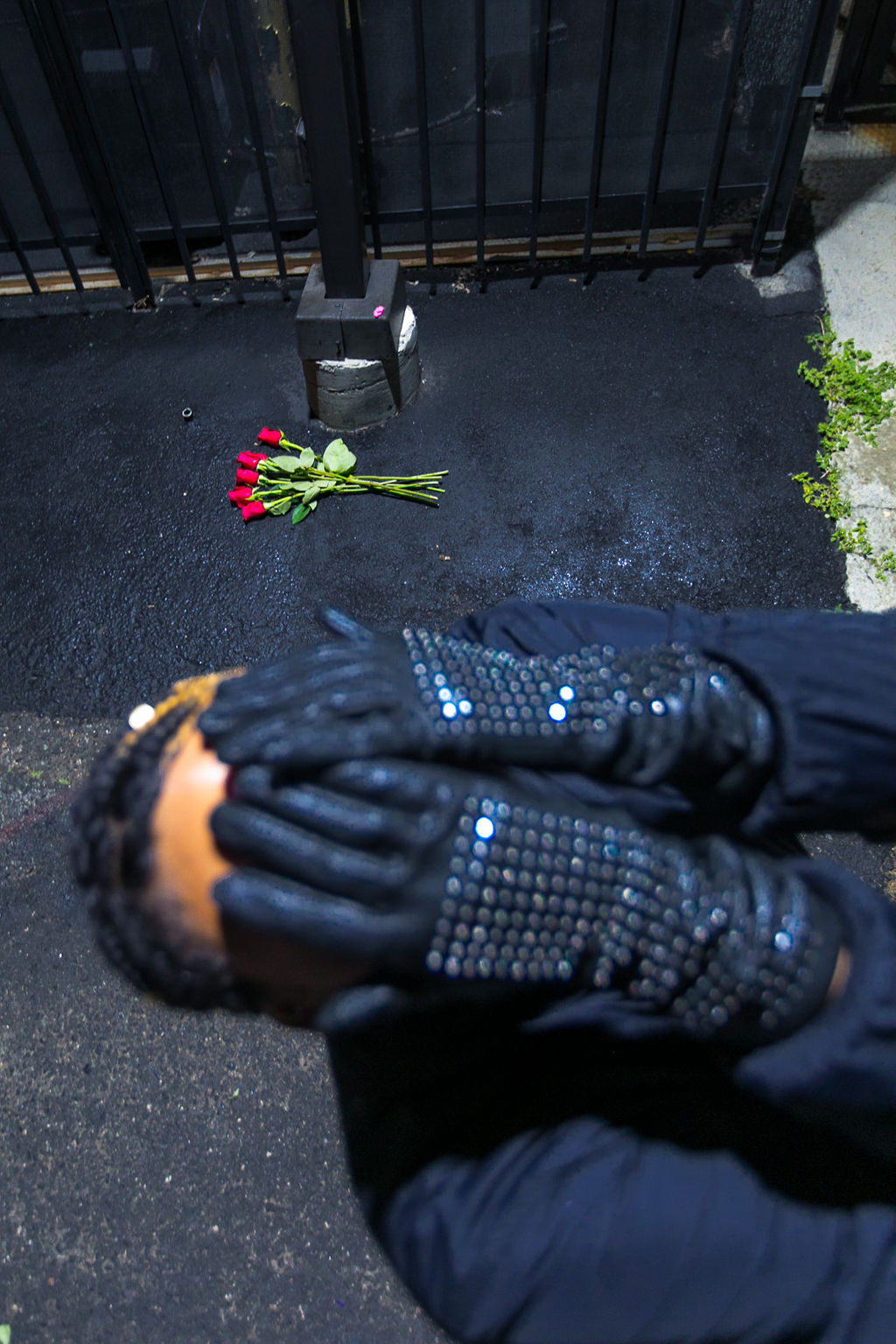 leather gloves-xmmtt-rsee-lcm-social media hiatus-roses-wear who you are