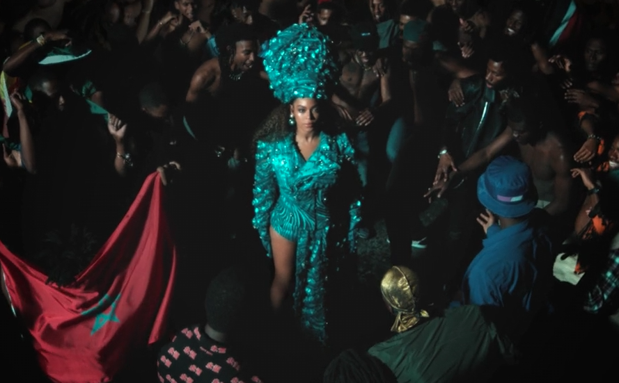 black-is-king-already-beyonce-green-nigerian-gele-headpiece-traditional-outfit-4