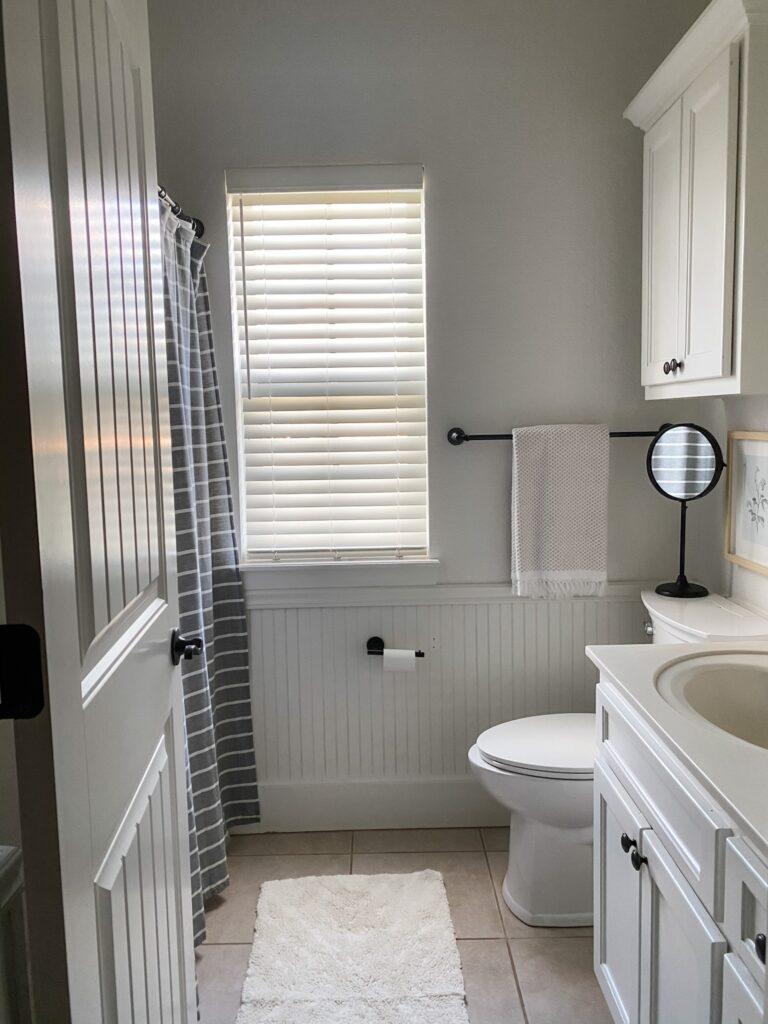EASY DIY: HOW I TRANSFORMED MY SPARE BATHROOM FOR $50