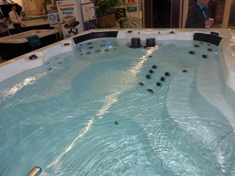 swim-spa-in-showroom-with-spa-lights
