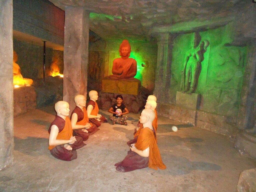 Kripalu caves
