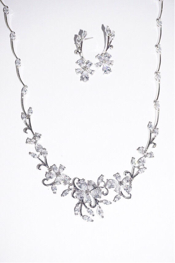 event necklace