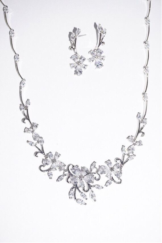 event necklace