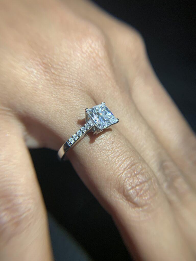 Zircon silver ring