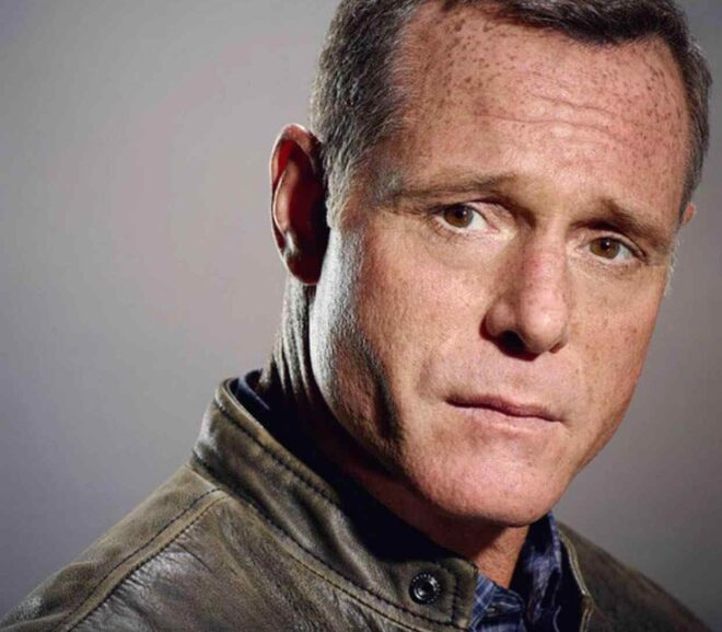 Jason Beghe – Age, Wife, Height, Family, Bio, Net Worth & More