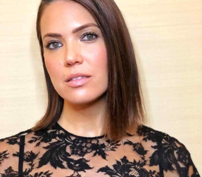Mandy Moore – Age, Husband, Height, Family, Bio, Net Worth & More