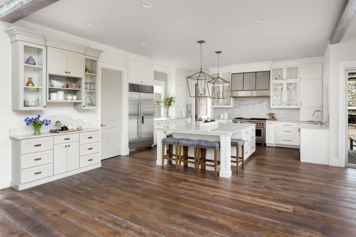 White Kitchen in New Luxury Home