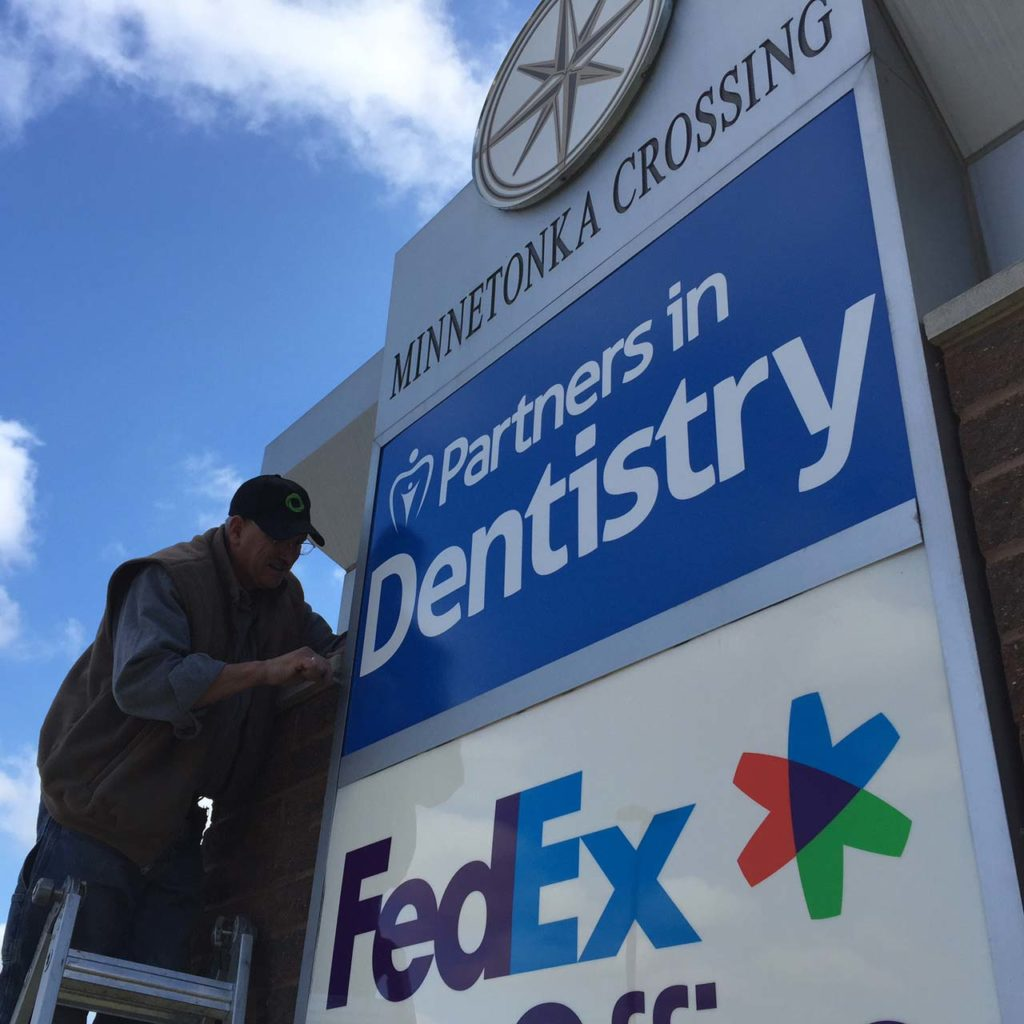 outdoor pylon sign partners in dentistry