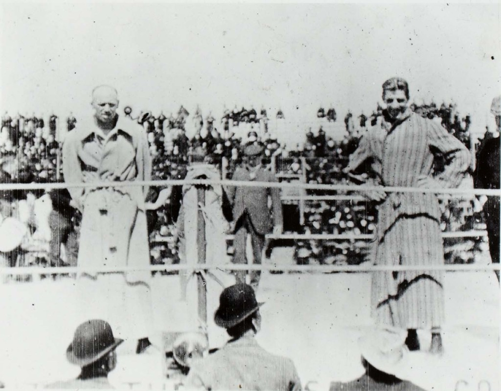Challenger Bob Fitzsimmons and Champion James J. Corbett pose for pictures before their 1897 bout