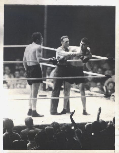 Max Baer vs. Max Schmeling in 1933 (CLICK PHOTO TO VIEW FIGHT CLIP)