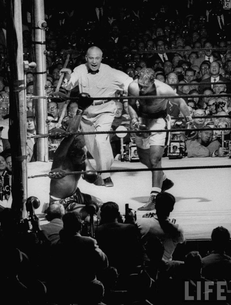 Rocky Marciano vs. Archie Moore in 1955 at Yankee Stadium (CLICK PHOTO TO VIEW FIGHT ACTION)