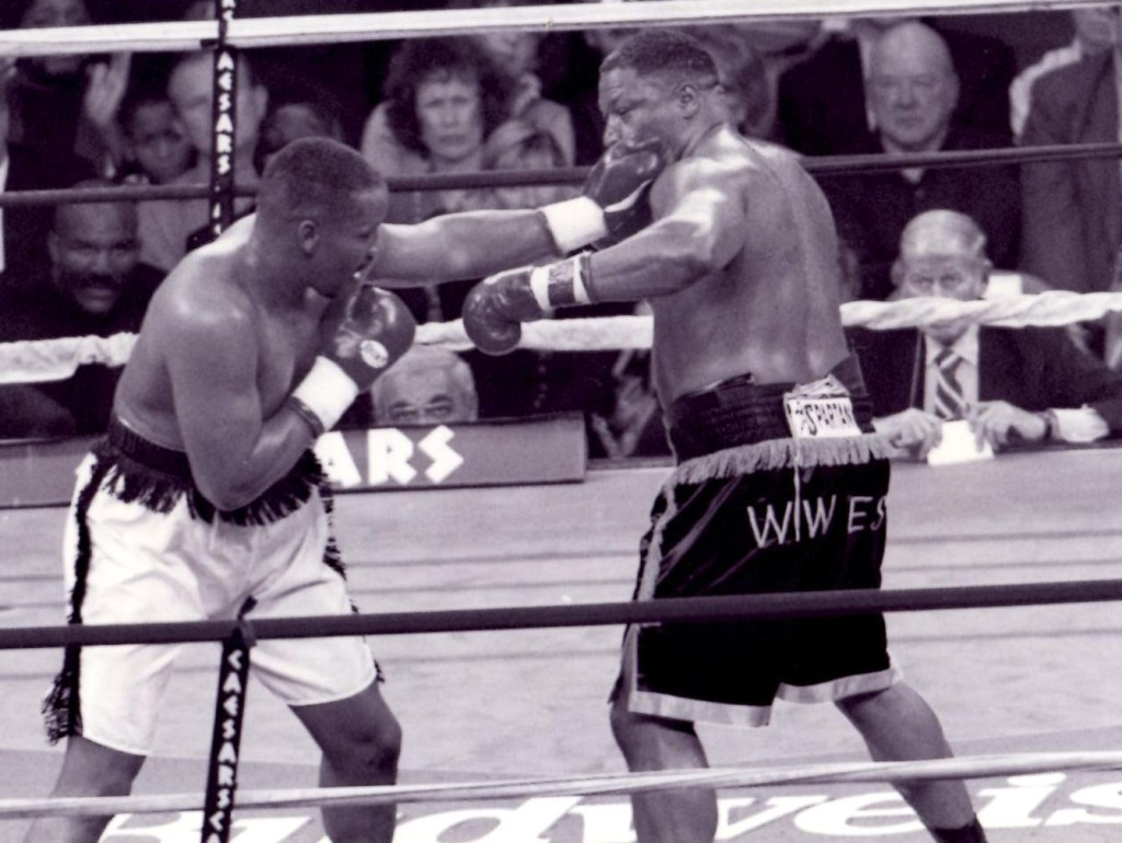 Tim Witherspoon vs. Ray Mercer in * (PHOTO BY ALEX RINALDI)
