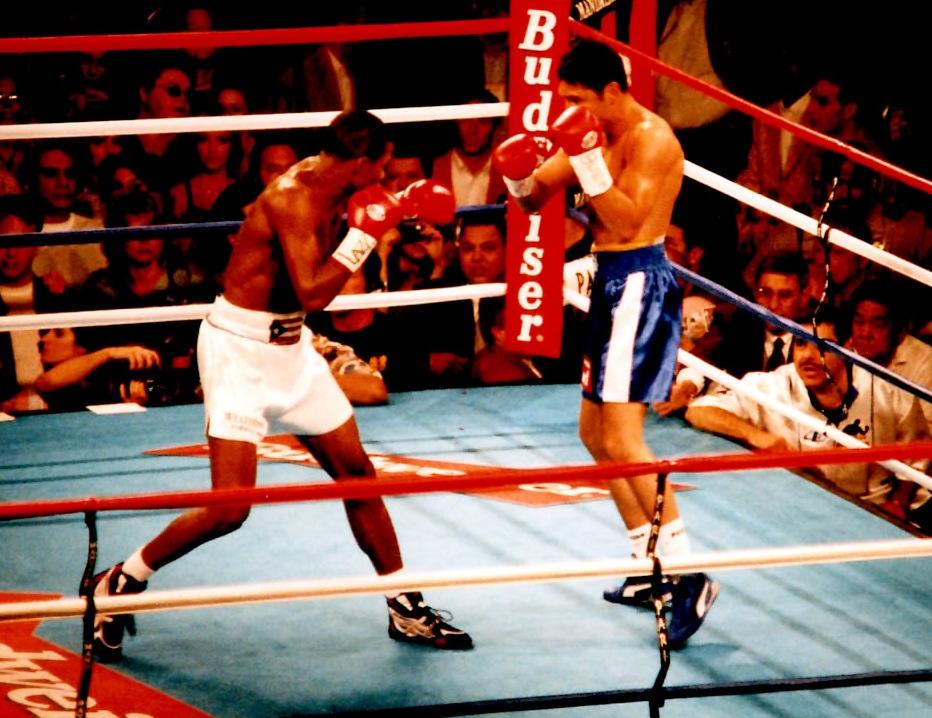 Felix Trindad (L) and Oscar De La Hoya (R) in 1989 (PHOTO BY ALEX RINALDI)