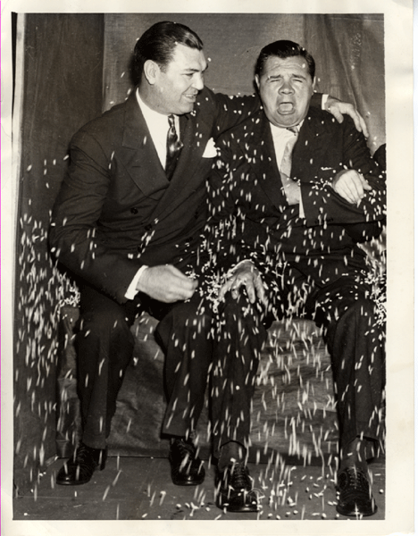 Yankee hero Babe Ruth (R) with boxing hero Jack Dempsey (L)