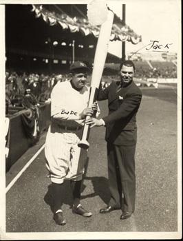 Yankee slugger Babe Ruth (L) with boxing slugger Jack Dempsey (R)