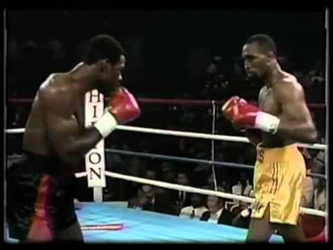 """Barkley (L) and Hearns (R) looking for an opening in their first fight June 6, 1988 when Barkely knocked out the """"hit Man"""" in the third round to capture the WBC Middleweight Title. (CLICK PHOTO TO VIEW VIDEO OF FIGHT)"""