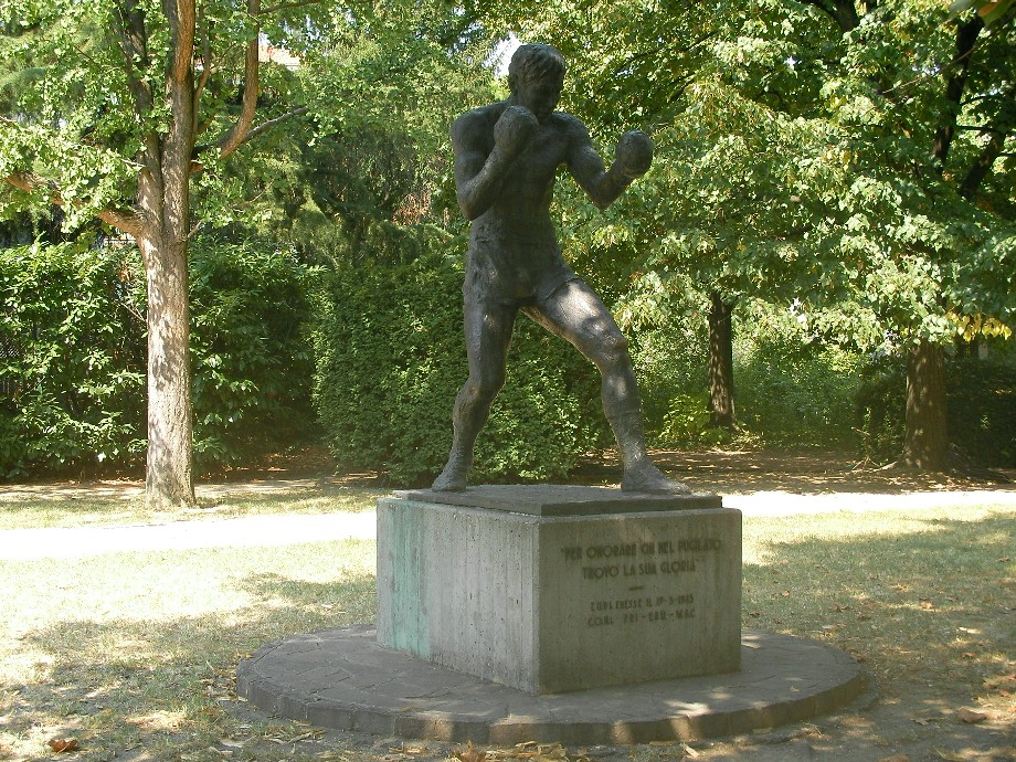 Statue of Carnera in Italy