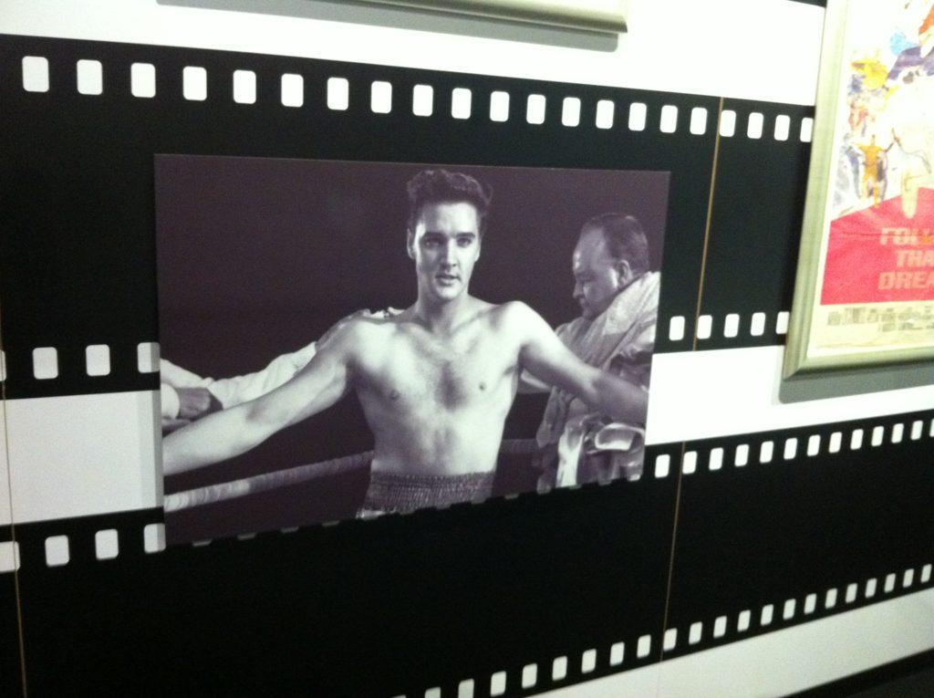 Elvis as the boxer Kid Galahad