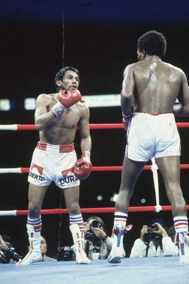 Duran daring Leonard to hit him in round 15.