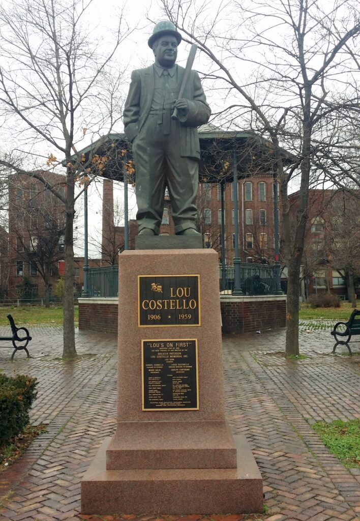 Statue of Lou Costello erected in Paterson, New Jersey. (PHOTO BY ALEX RINALDI - THE USA BOXING NEWS)
